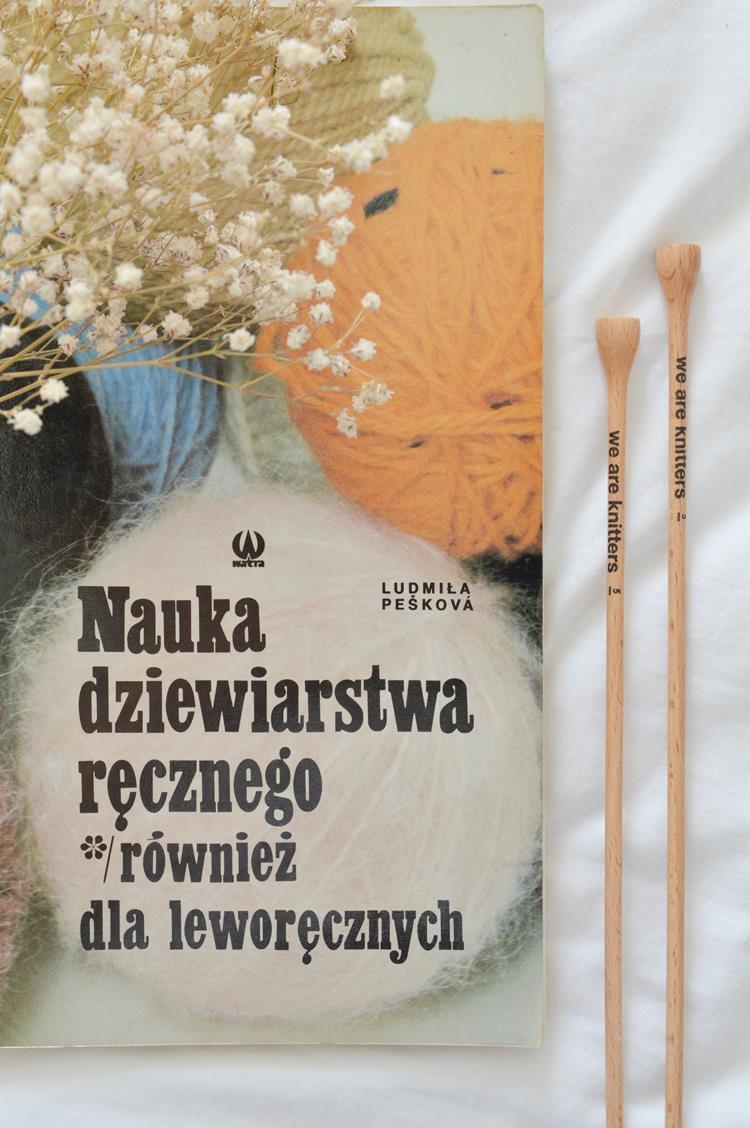 Jak robić na drutach, będąc leworęcznym? Ludmila Peskova Nauka dziewiarstwa ręcznego również dla leworęcznych